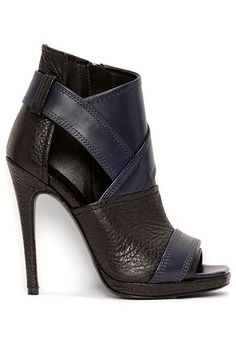 Alexander McQueen - 2014. high heels