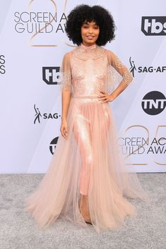 Just in case you need some more fashion inspiration to throw on your vision board for the year, my queen, Yara Shahidi, stepped out at the SAG Awards on Sunday Tulle Dress, Pink Dress, Dress Up, Popsugar, Nice Dresses, Prom Dresses, Formal Dresses, Blue Jean Outfits, Elie Saab Couture