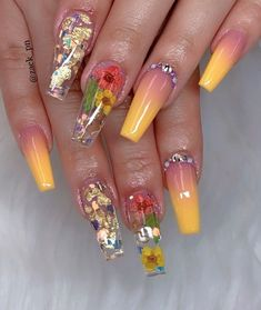 76 summer manicure natural floral nails ideas to try this season 40 productta Summer Acrylic Nails, Best Acrylic Nails, Summer Nails, Spring Nails, Nail Swag, Fabulous Nails, Gorgeous Nails, Pretty Nails, Amazing Nails