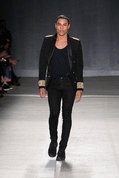 Balmain x H&M Debuts With New York Runway Show - Fashionably Male Modern Mens Fashion, H&m Fashion, Unisex Fashion, Fashion Week, Autumn Fashion, Seoul Fashion, Francisco Lachowski, Backstreet Boys, Vogue Paris