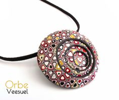 Pendentif Orbe- has the artist used the triangle on the extruder ---cool