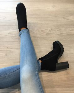 Tolle Schuhe Tolle Schuhe in 2020 High Heel Boots, Heeled Boots, Shoe Boots, High Heels, Shoes Heels, Pumps, Pretty Shoes, Cute Shoes, Me Too Shoes