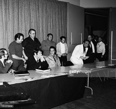 ELVIS: '68 COMEBACK SPECIAL -- Pictured: (front l-r) Producer Bones Howe, director Steve Binder, Elvis Presley, executive producer Bob Finkel during a press conference for the Elvis '68 Comeback Special on NBC -- (Photo by: NBC/NBCU Photo Bank via Getty Images) Credit: NBC