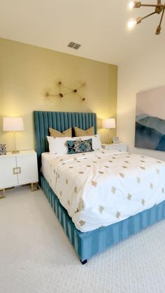 Room Color Ideas Bedroom, Girl Bedroom Walls, Bedroom Wall Designs, Room Design Bedroom, Woman Bedroom, Small Room Bedroom, Room Colors, Indian Bedroom Decor, Home Decor Bedroom