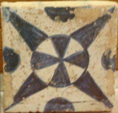 Azulejeria medieval tardo-gótica. Manises.