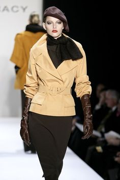 Ellen Tracy at New York Fashion Week Fall 2007 - Runway Photos Couture Fashion, Paris Fashion, High Fashion, Womens Fashion, Modern Fashion, Long Gloves, Maxi Robes, Ellen Tracy, Timeless Fashion