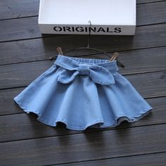 2016 Summer New Super Suave Niña Falda de Mezclilla Lavados Niños Arco Correa … 2016 Summer New Super Soft Baby Girl Denim Skirt Washes Children Bow Belt Good quality years Retail wholesale 1603 Baby Girl Skirts, Baby Skirt, Little Girl Dresses, Baby Dress, Girls Dresses, Outfits Niños, Baby Outfits, Kids Outfits, Baby Girl Fashion