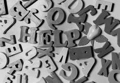 Keimelion - revisão de textos: Revisor de textos e novas tecnologias Na perspectiva tradicional, a revisão é vista como etapa subsequente à produção escrita, principalmente de alunos e cientistas, com o objetivo principal de corrigir o texto e detectar violações nas convenções da norma culta, pautada no senso comum de que revisar resume-se a corrigir ortografia, pontuação, concordância verbal e nominal, de acordo com as normas apontadas em gramáticas, dicionários e manuais.
