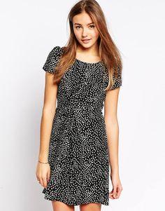 Image 1 ofYumi Printed Shift Dress
