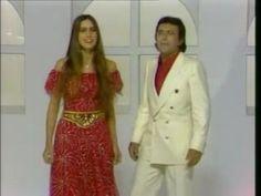 """Al Bano & Romina Power - Felicita.  Al Bano, ha raggiunto un grande successo internazionale, specialmente nei paesi dell'Est Europa, in Germania e Austria, dove la sua canzone """"Felicità"""" ha spopolato."""