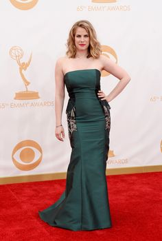 Anna Chlumsky | Fashion At The 2013 Emmy Awards Love the dress and the figure!