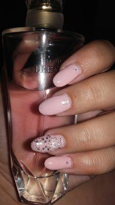 Nails gel nude pink