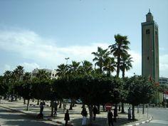 #magiaswiat #podróż #zwiedzanie #agadir #blog #afryka  #maroko #essaouir #ocean #safi #qualidia #al-dzadida #suk #casablanka #rabat #meknes #volubilis  #fez #meczet #marakesz #wytworniaplytek Agadir, Sidewalk, Street View, Ocean, Blog, Side Walkway, Walkway, The Ocean, Blogging