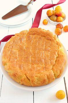 C'est la pleine saison des mirabelles alors c'est le moment d'en profiter, surtout que celle-ci est courte ! J'avais une envie de bon gâteau breton et une cagette de mirabelles était sous mes yeux, alors j'ai décidé de fourré un sablé breton avec ces... My Favorite Food, Favorite Recipes, My Favorite Things, Sweet Cakes, Biscuits, Waffles, Muffins, Moment, Pie