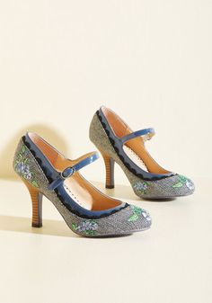 Romance Wasn't Built in a Day Heel. It takes time to create the perfect partnership, however, these houndstooth heels by Banned are an exception to the rule. #blue #modcloth