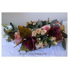 Coroa de Flores 💐🌸🌺🌼🌷🌿  Faço por encomenda e envio para todo Brasil.  ☎️📲(31) 9 9312-8877  #coroadeflores #floresartificiais #flores #artesanato #criatividade #trabalhomanual #arcodeflores #mulher #feminina #feminilidade #vaidade #fantasia #adereço #acessorio #acessoriofeminino #primaveraverao #primavera #verao