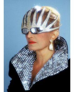S i l v e r S a t u r d a y Dalida wearing Alain Mikli sunglasses - 1985 … #80sfashion #80sglam #neontalk #retrosunglasses #alainmikli #dalida #80svintage