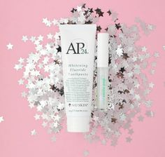 Vanilla mint toothpaste and lip gloss for a gorgeous brilliant smile. Beauty Bar, My Beauty, Whitening Fluoride Toothpaste, Christmas Deals, Nu Skin, Facial Massage, Skin Products, Beautiful Smile, Lip Colors