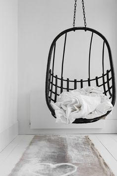 The Stella Hanging Chair is chic and minimalistic. Hand made with natural rattan. Designed in Byron Bay for indoor or undercover use. Interior Desing, Home Interior, Interior Inspiration, Interior And Exterior, Interior Ideas, Sofa Scandinavian, Log Home Decorating, Interior Decorating, Swinging Chair