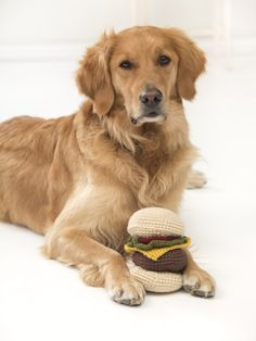 This cute crochet hamburger makes an adorable amigurumi or dog toy! Make it with 5 balls of Vanna's Choice and a size G-6 (4 mm) crochet hook!