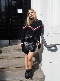 69fab88fc60 5 Ways To Wear A Patent Leather Skirt Street Style 2016