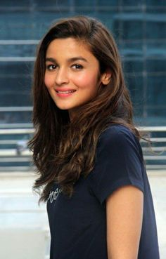 Bollywood actor Alia Bhatt during her visit at HT Office for the promotion of her movie 'Kapoor and Sons' on March 2016 in Mumbai, India. Beautiful Bollywood Actress, Beautiful Indian Actress, Beautiful Actresses, Bollywood Actors, Bollywood Celebrities, Bollywood Oops, Sonam Kapoor, Deepika Padukone, Alia Bhatt Photoshoot