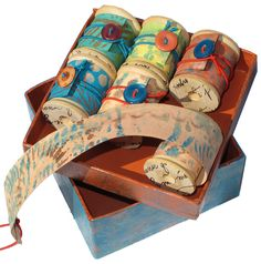 Workshop: Scroll Books on Spools – Santa Fe Book Arts Group Paper Book, Paper Art, Altered Books, Altered Art, Book Crafts, Paper Crafts, Zine, Handmade Books, Handmade Notebook