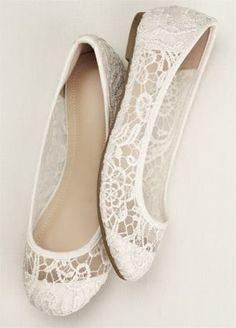 Coucou les filles ! Alors voici une sélection de chaussures plates, parce que c'est aussi bien de penser à son confort pour le jour du mariage Alors des chaussures plates ou des talons pour le grand jour ?! 1 2 3 4 5 6 7 8 9 10 Retrouvez d'autres