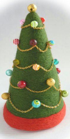 Xmas tree Preschool Ideas, Xmas Tree, Felting, Advent, Christmas Ornaments, Holiday Decor, Videos, Projects, Fun
