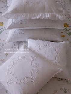 Lace Bedding, Embroidered Bedding, Cutwork Embroidery, Embroidery Stitches, Baby Sheets, Linens And Lace, Vintage Lace, Pillow Cases, Shabby Chic