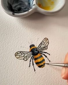 Awww - Zeichnen lernen /Kunst - crafts home Watercolor Painting Techniques, Watercolour Tutorials, Painting Videos, Watercolour Painting, Painting & Drawing, Drawing With Pen, Watercolors, Bee Drawing, Bee Painting