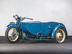 RM Sotheby's - 1925 Henderson De Luxe with Goulding Sidecar Hot Bikes, Sidecar, History Books, Antique Cars, Motorcycle, Vehicles, Vintage Cars, Motorcycles, Car
