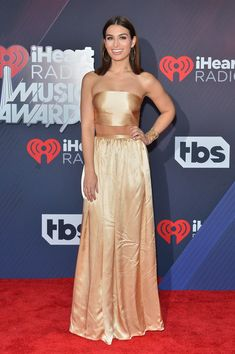 Ashley Iaconetti Photos - Ashley Iaconetti arrives at the 2018 iHeartRadio Music Awards which broadcasted live on TBS, TNT, and truTV at The Forum on March 11, 2018 in Inglewood, California. - 2018 iHeartRadio Music Awards  - Red Carpet