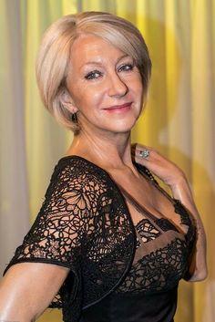 Helen Mirren - of course! Sexy Older Women, Classy Women, Sexy Women, Beautiful Old Woman, Elegant Woman, Silver Haired Beauties, Belle Silhouette, Dame Helen, Ageless Beauty