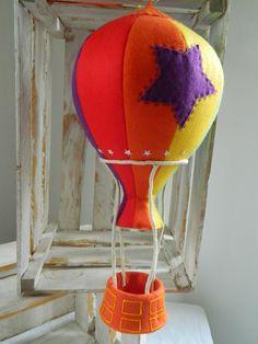 Balão do desenho infantil Mundo do Bita. Confeccionado em feltro e fibra anti-alérgica. <br>Ideal para decoração de festa de aniversário e quarto infantil.