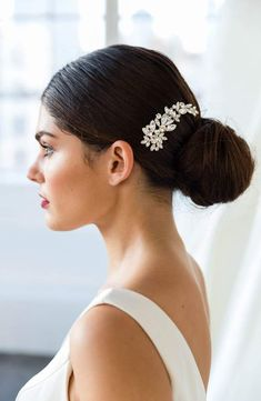 Brides & Hairpins Cameo Comb, Size One Size - Metallic Lob Hairstyle, Box Braids Hairstyles, Short Bob Hairstyles, Bride Hairstyles, Hairstyles Haircuts, Trendy Hairstyles, Updo, Best Ombre Hair, Ombre Hair Color
