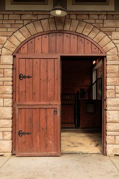 The Tuscany designer horse stall series is elegant and durable. The custom-bent designer stall front has attracted many customers for it's added ventilation and unique style. When it comes to stalls for horses, there are none better than what RAMM has to offer. Safety is our #1 priority in stall designing, and our team works to make sure that your horse stalls are a perfect fit! 📞800-826-1287  #horsestalls #dreambarn #designerstalls #horses #equestrian #rammstalls #tuscany #tuscanystalls