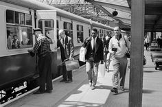 Pele at Piccadilly train station. 1966