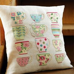 Sandrinha Ponto Cruz: Almofadas (pillows) teacup pillow- I would do a version of this with appliqués more than with the cross stitch embroidery. Loving the tea cup! Sewing Appliques, Applique Patterns, Cross Stitch Patterns, Cross Stitching, Cross Stitch Embroidery, Machine Embroidery, Fabric Crafts, Sewing Crafts, Sewing Projects