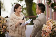 Love this faux-fur cover up! | Traditional Chinese Wedding with a Vintage Flare - Belle The Magazine