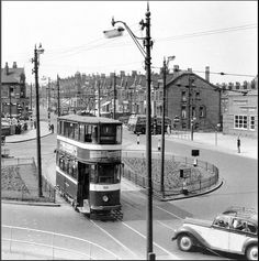 Leeds: Easterly Rd / Roundhay Rd / Clock Cinema. 1955. | Flickr