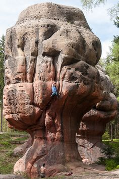 Climb the Goblet, what an amazing rock!!!! i want to climb that thing right now!!!