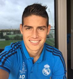 Pin for Later: 16 Times James Rodríguez Flashed His Pearly Whites and We Lost It When He Took This Selfie
