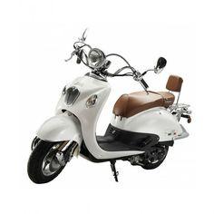 Ideaal om deze zomer rond te toeren, heerlijk erop met de scooter van je vakantie genieten, zeker met deze witte retro scooter van IVA met een mooi rond stuur en ronde chromen koplamp in combinatie met het bruine zadel, is dit Italiaans design, MEER http://nl.popsfl.com/?p=12180
