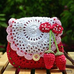 Crochet pattern  Strawberry crochet purse by VendulkaM