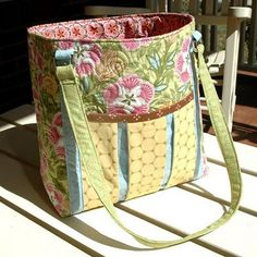 "This complimentary bag pattern design features fabrics in the ""Ambrosia"" collection by Amanda Murphy for Robert Kaufman Fabrics. It is a great bag project to practice your…"