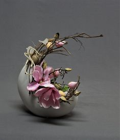 Ikebana, Spring Crafts, Artificial Flowers, A Table, Diy And Crafts, Floral Design, Gifts, Decor, Easter Activities