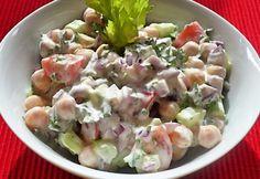 Joghurtöntetes csicseriborsó-saláta recept képpel. Hozzávalók és az elkészítés részletes leírása. A joghurtöntetes csicseriborsó-saláta elkészítési ideje: 10 perc