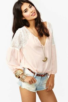 Jardin Lace Blouse - Blush I hope they get more stock of this one cause I absolutely love it!!!