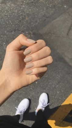 Square Acrylic Nails, Simple Acrylic Nails, Best Acrylic Nails, Acrylic Nail Designs, Simple Nails, Squoval Acrylic Nails, Gradient Nails, Shellac, Beige Nails
